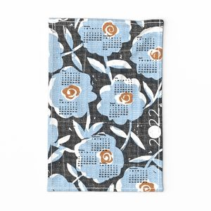2020 blue flowers tea towel calendar