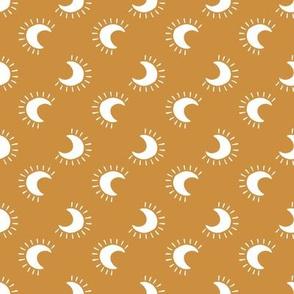 moon stripe // gold
