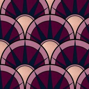 Moody fancy Art Deco scallop fan alt