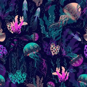 BIOLUMINESCENT-UNDERWATER-WORLD