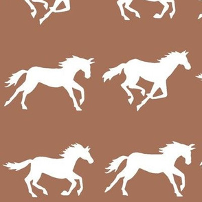 gallop - large scale brown