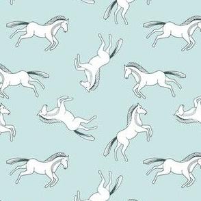 Ponies on Mint