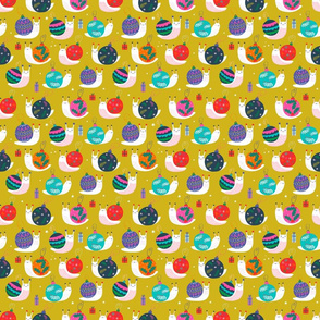 "Tiny 6"" - Christmas Bauble Snails Mustard"