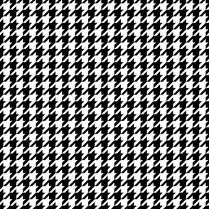 Classic Houndstooth in Black and White Paducaru