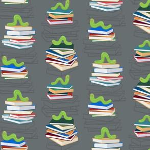 Bookworms-grey-quartre