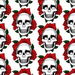 Skulls and Roses - white
