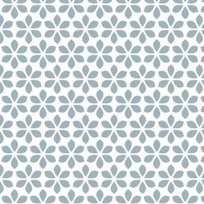 Star Petals - Dove Blue / White (medium)