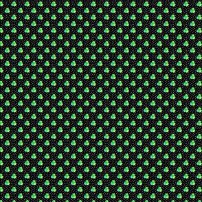 Petite black dots triple berries