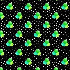 Grande black dots triple berries
