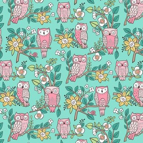 Owls and Flowers on Mint Green Smaller 1,5 inch