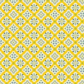 Quatrefoils yellow