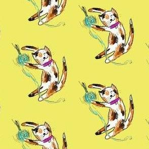 ExSmall Yellowish Playing Kitty