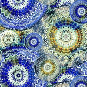 LARGE MANDALA PATCHWORK BICOLOR SUBTLE BLUE AND GOLD ECRU PSMGE