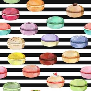 Macaron Black and White Stripes