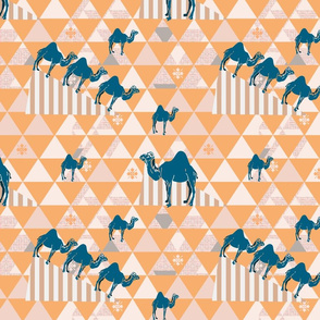 Camels Pyramid pink and gold