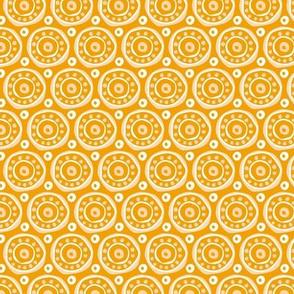 Ethnic circles / African beauty / Yellow / Medium scale