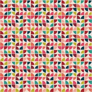 Medium Scaled Geometric