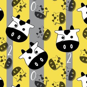 Jumbo Bouncing Ox (Illuminating Yellow on Ultimate Gray)