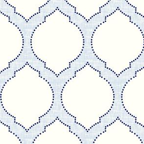 moroccan trellis light blue/large