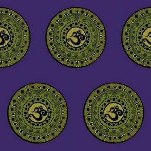 Om talisman Greens on purple