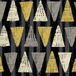 Textured Triangles black yellow small