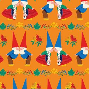 Kissing Gnomes (orange) - Large Scale