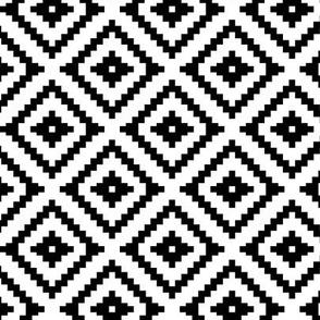 (small scale) Aztec // black C21