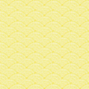 sunflower yellow dot scallop //  yellow and white scallop dot pattern
