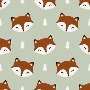 friendly fox // leaf