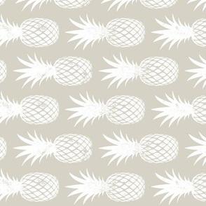 pineapples on beige (90) C21
