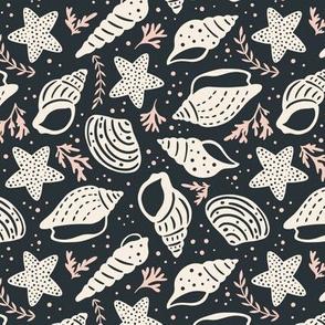 Seashells - Medium Scale Black Pink