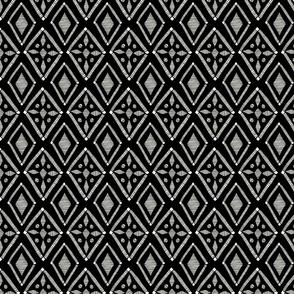 Diamond Cross Geo - Black - Medium