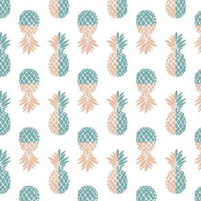 Pineapple Deco