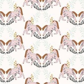 0033_LH_HorseLaurel Ivory