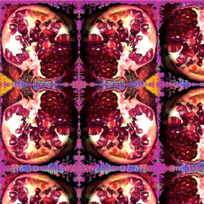 Pomegranate_on_display
