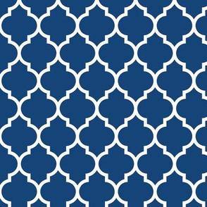 moroccan quatrefoil lattice in egyptian blue