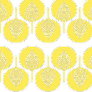 tree_hearts_light_yellow_white_lt_grey