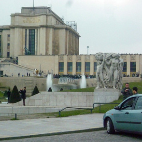 Yesterday it seemed like all of Paris was awaiting the arrival of Spring at the Palais de Chaillot