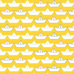 paper_boat_blanc_fond_jaune