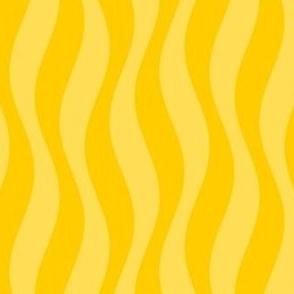 02195385 : golden tresses