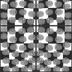 017_Flowers_On_Checker_Panel