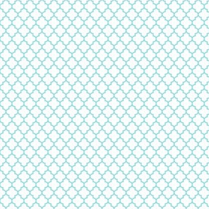 quatrefoil sky blue on white - small