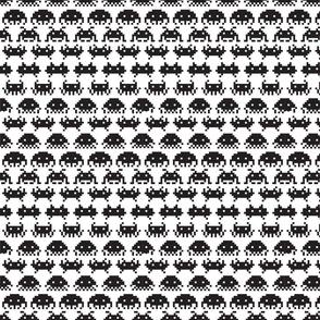 space invaders black