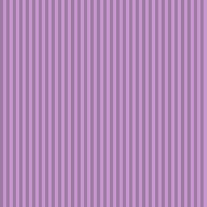 narrow stripes in raspberry ice