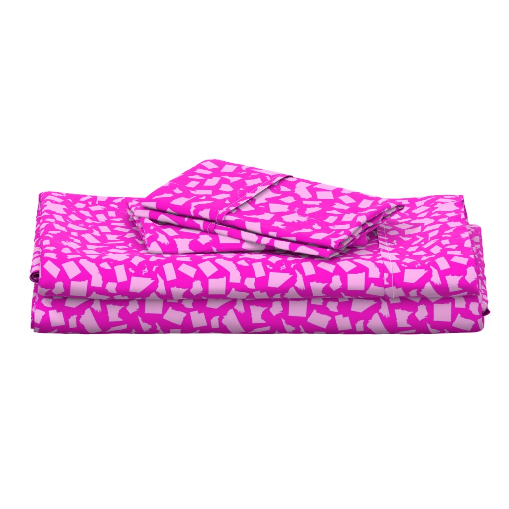 Langshan Full Bed Set featuring United States Scatter (Pink) by robyriker