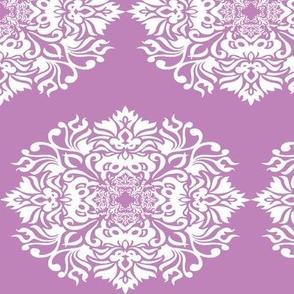 Damask White on Lilac