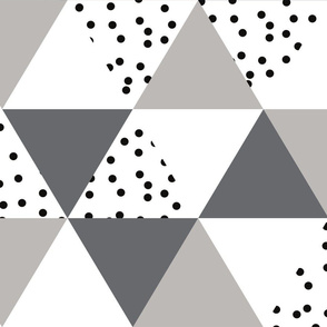 triangle wholecloth // charcoal + gray+ b/w dots