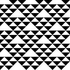 Triangles (b&w)