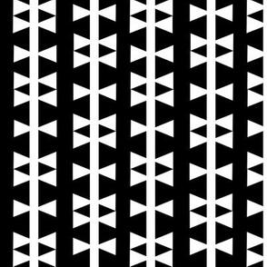 black white triangle stripe