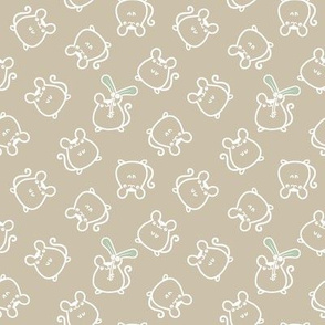 beige_mouse